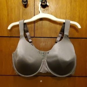 Bra All items $7 r 2/$10.Bundle 4 discount